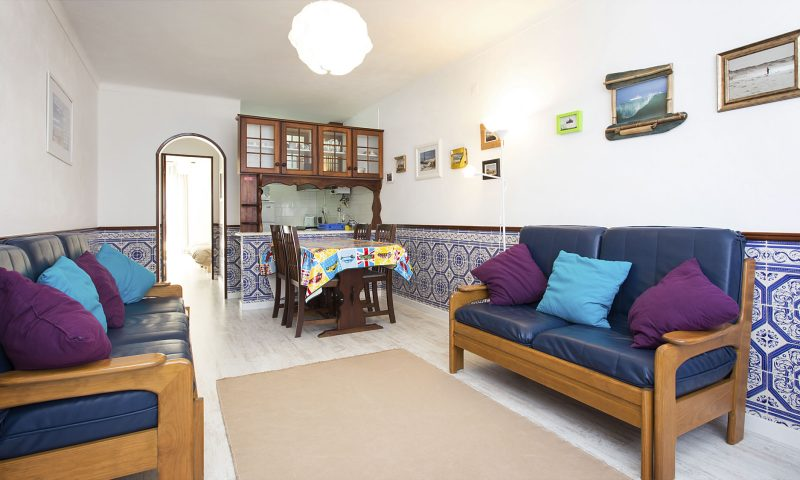 Fisherman's - Living Room - Baleal Surf Camp