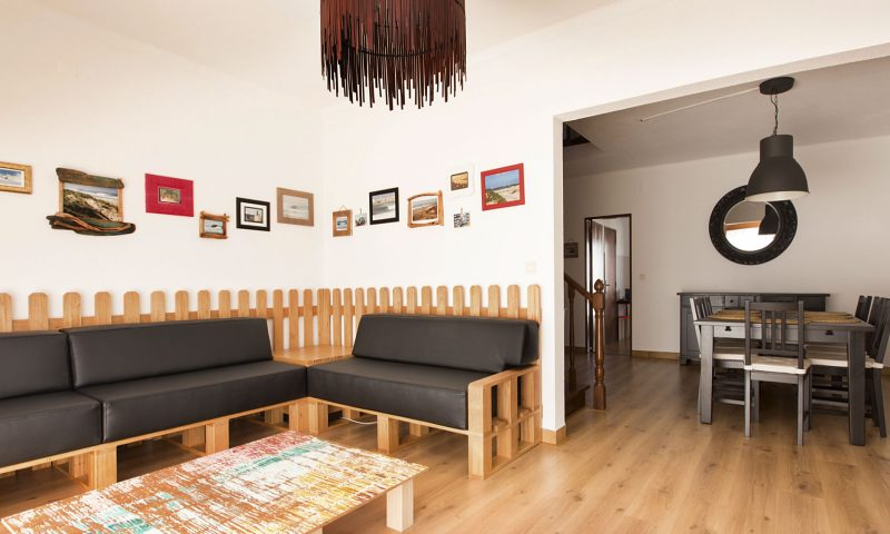 Super Tubos - Living Room - Baleal Surf Camp