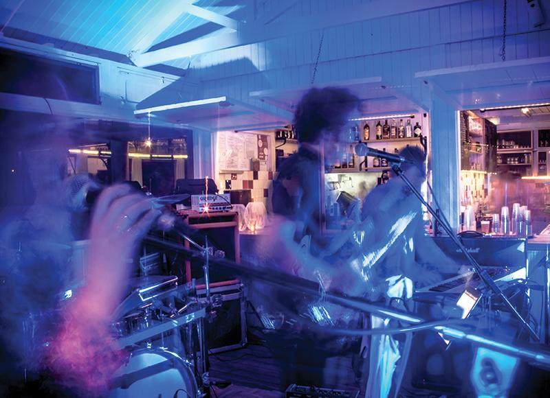 party-bar-do-bruno-baleal-peniche-portugal-3