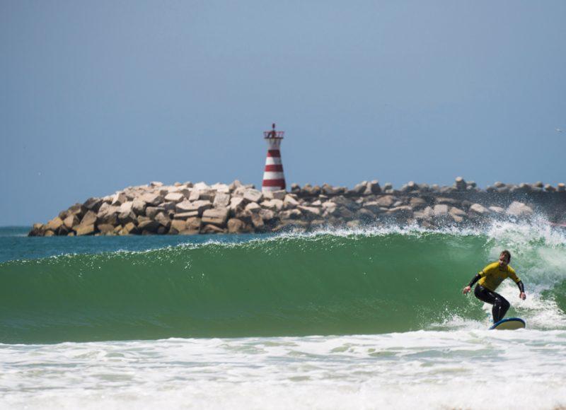 Baleal-Surf-Camp----Molhe-leste-surf