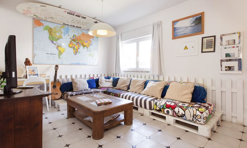 Baleal Hostel I - Living Room - Baleal Surf Camp