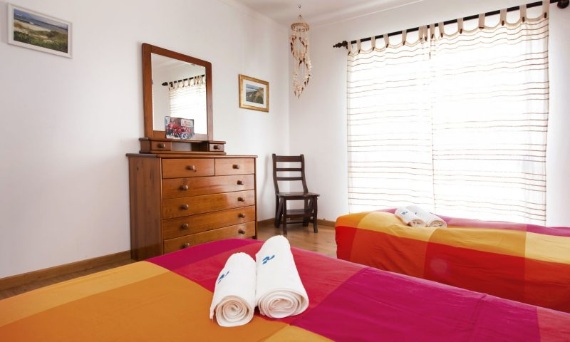 Beach House - Room B - Baleal Surf Camp