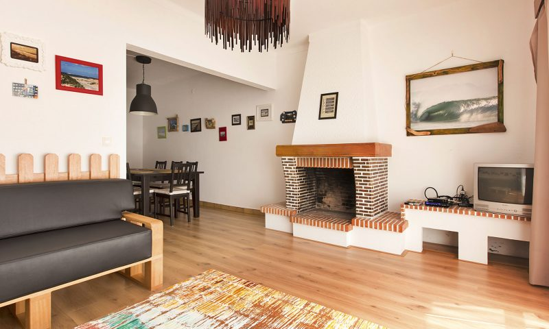 Super Tubos - Living Room C - Baleal Surf Camp
