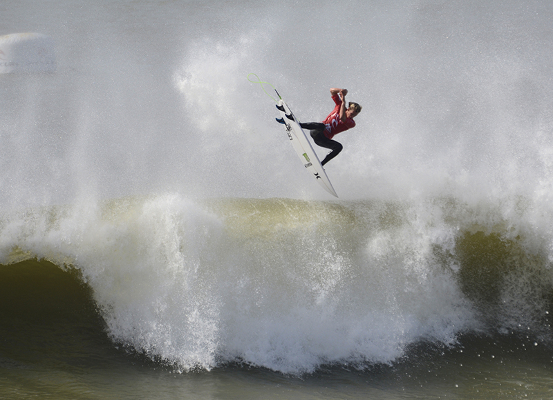 incredible-surfging-wls-peniche-portugal-6
