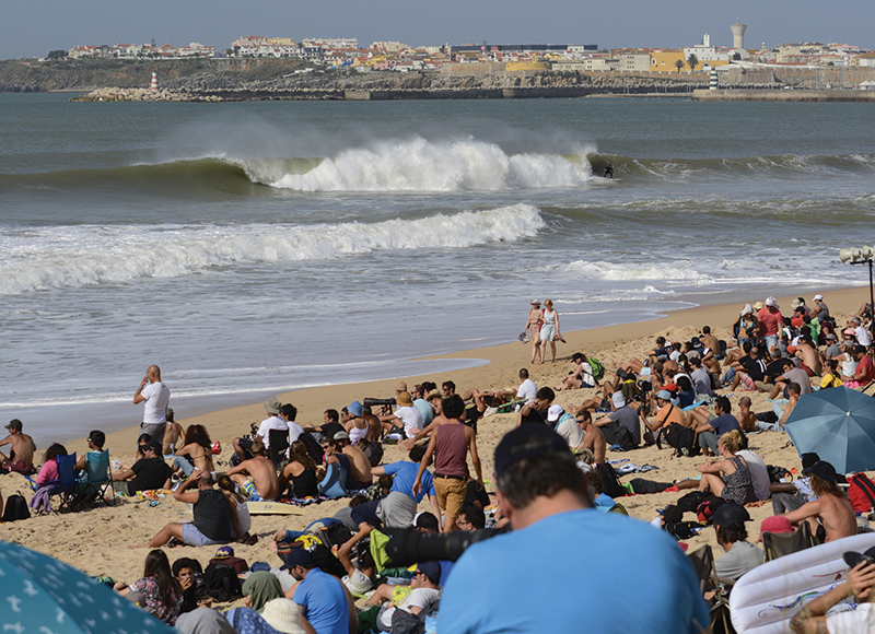 take-you-to-the-contest-world-surf-league-peniche-portugal-4