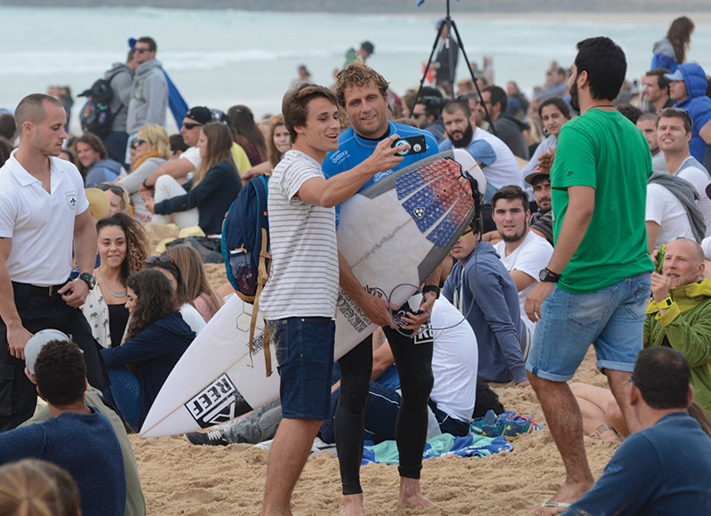 take-you-to-the-contest-world-surf-league-peniche-portugal
