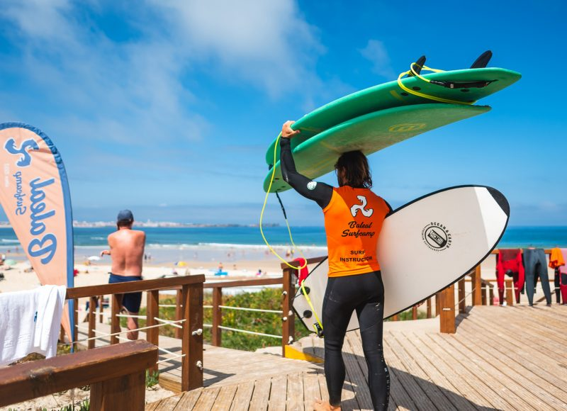 Baleal-surf-Camp---Surf-gear-for-free