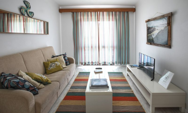 Cantinhos apartment - Living Room - Baleal Surf Camp