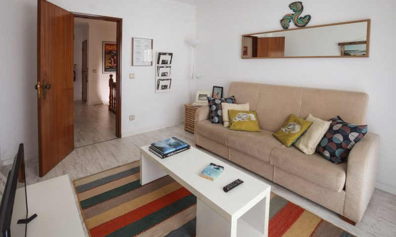 Cantinhos apartment - Living room 2 - Baleal Surf Camp
