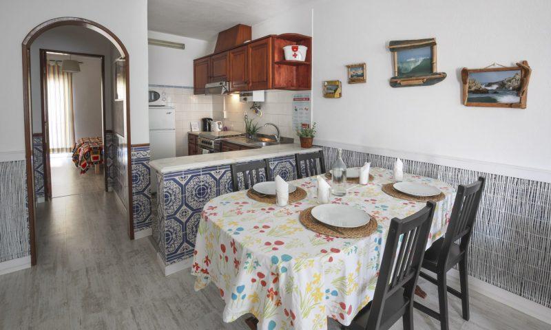 Fisherman's apartment - Kitchen - Baleal Surf Camp