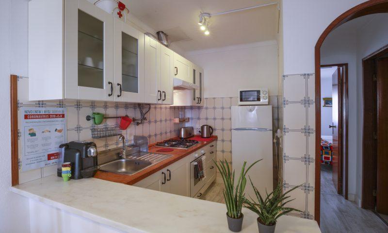 Red Rock apartment - Kitchen - Baleal Surf Camp